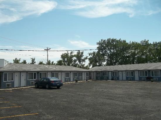 H and H El Centro Motel: Exterior
