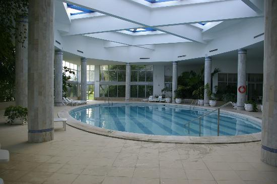 Marhaba Palace Hotel: Indoor pool - excellent for a relaxing swim