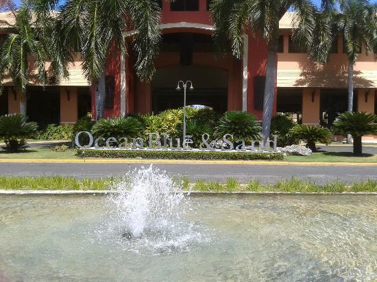 Fachada do Ocean Blue & Sand