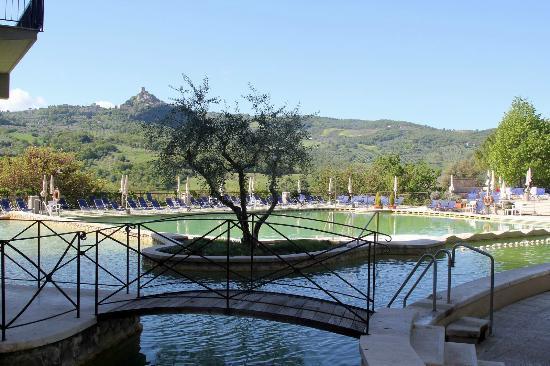 Vista piscina e val d 39 orcia foto di hotel posta marcucci bagno vignoni tripadvisor - Bagno vignoni hotel posta marcucci ...