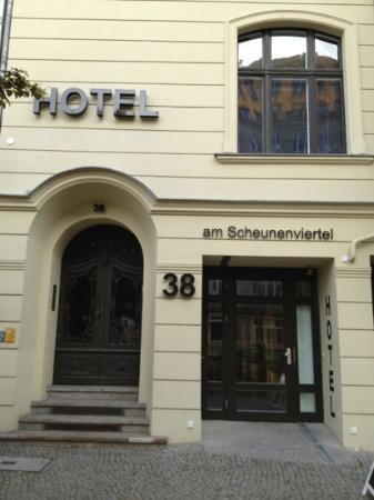 Hotel 38: vista frente