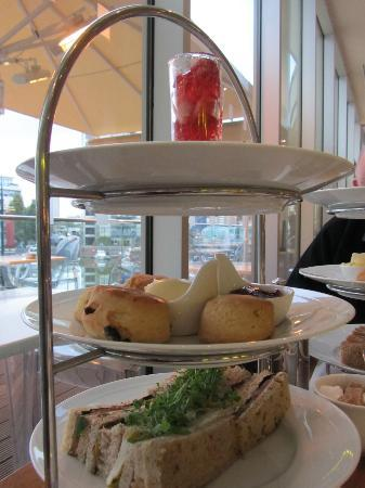 The Chelsea Harbour Hotel: Afternoon tea