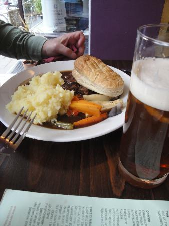 Steak & Ale Pie with puff pastry lid, vegetables, mashed ...