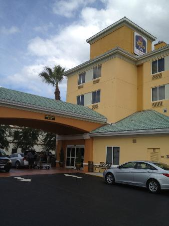 Best Western Orlando Convention Center Hotel: Entrada