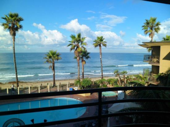 Pacific Terrace Hotel: Stunning view from our room