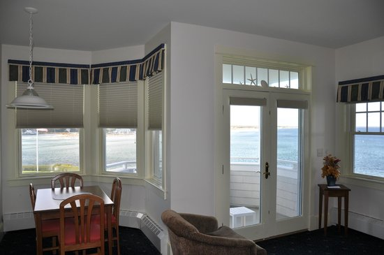 The Beachmere Inn: Room 206