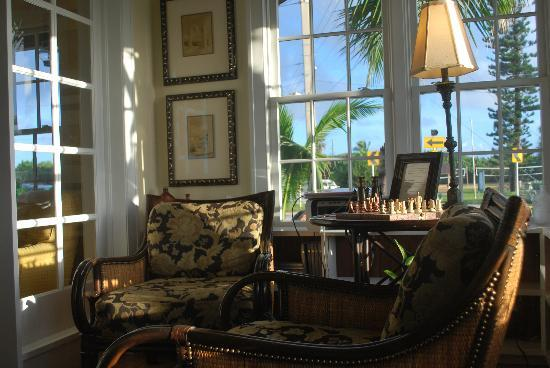 Port d'Hiver: Early morning in the sunroom