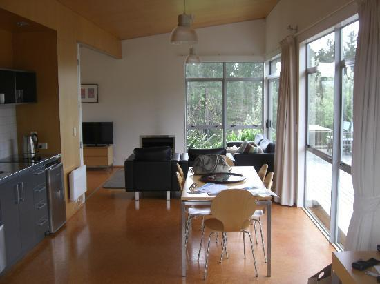 Riverside Matakana: Dining/Lounge room