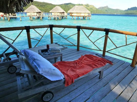 Bora Bora Pearl Beach Resort & Spa: Sundeck on bungalow