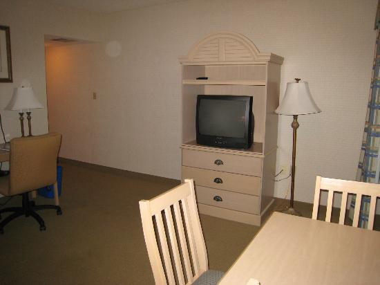 Virginia Beach Resort Hotel and Conference Center: living room area