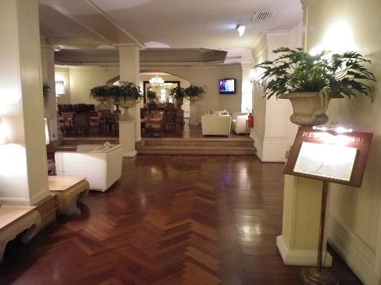 โรงแรมสตาร์ เทอไมนัส: Lobby