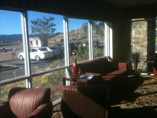 Comfort Suites Prescott Valley: View from lobby