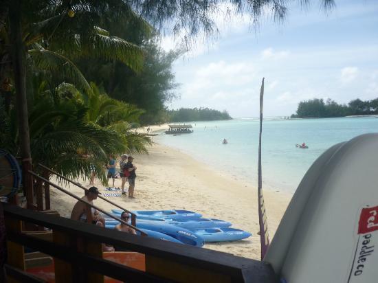 Raina Beach Apartments : the beach