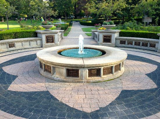 Mount Pleasant Cemetery : Fountain