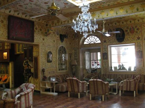 Bissau Palace: Lounge sitting area
