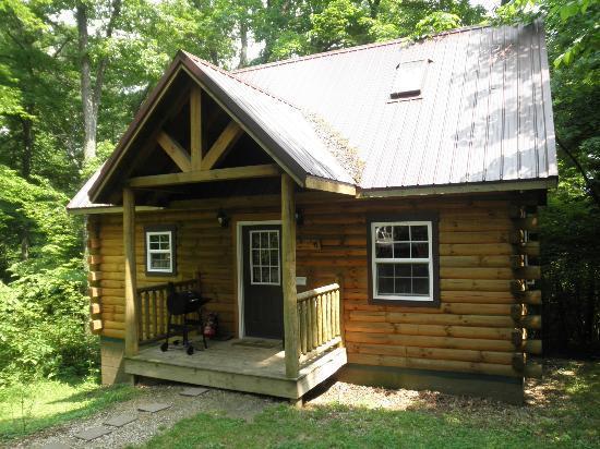 Ash Ridge Cabins: Lovers Loft cabin