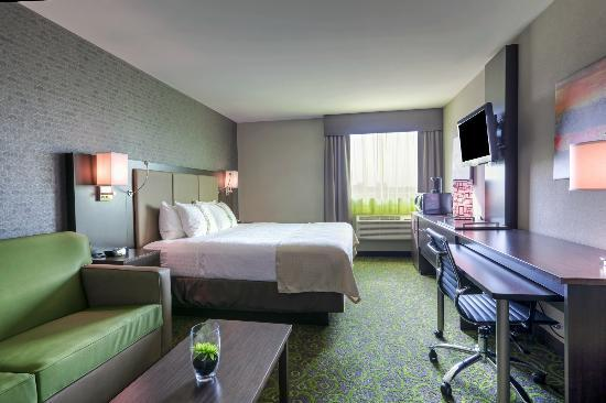 Holiday Inn Winnipeg Airport - Polo Park: King Room