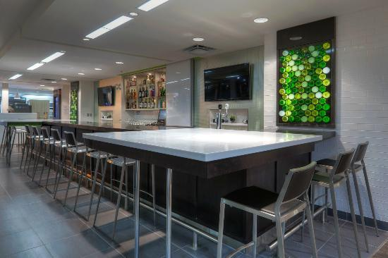 Holiday Inn Winnipeg Airport - Polo Park: The Hub by Holiday Inn