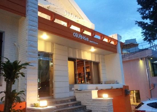 Orange Guesthouse: 외관