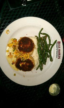 Blue Marlin: Charleston Crab Cakes w/garlic mash potatoes & sauteed green beans