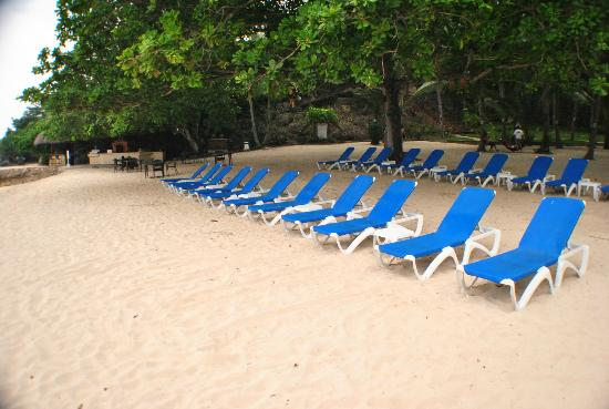 Alegre Beach Resort: one of the coves
