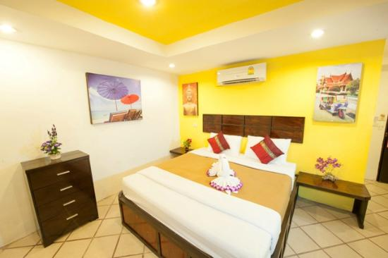 Rich Resort Beachside Hotel: Standard Double Guest Room with Air Con
