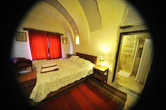 Takaev Cave Hotel & Guest House: Chambre Kemer