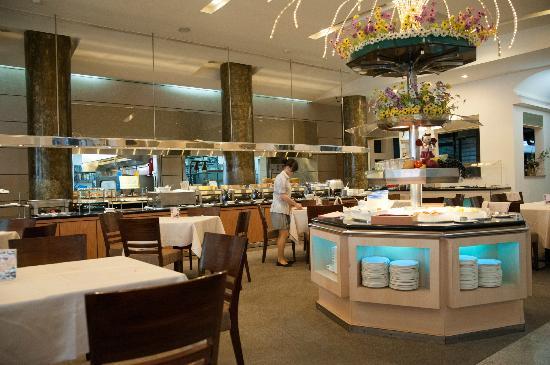 Hotel Tainan: 朝食ビュッフェはこちらで