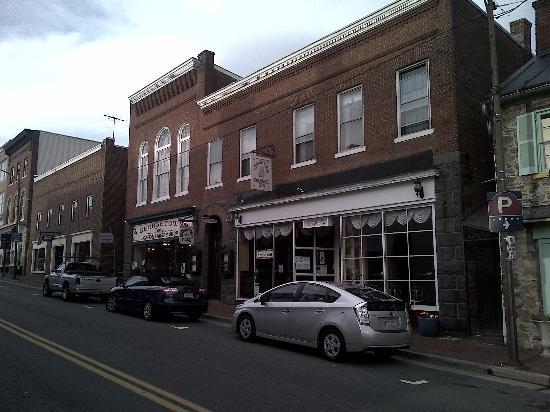 Leesburg Colonial Inn: Aussenansicht