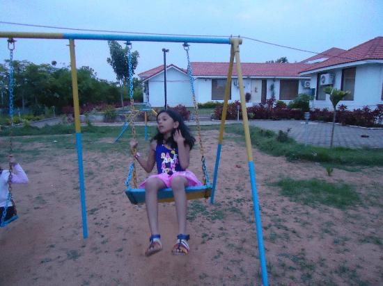Village Retreat : play area
