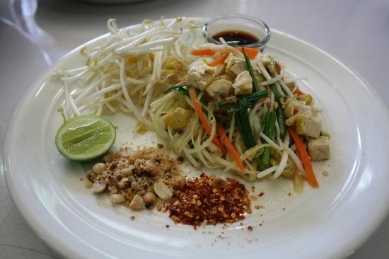 Phuket Cleanse: pad thai but fresh!