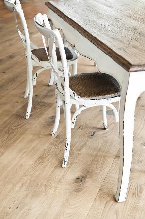 Alois Daniel Bakery: Chairs at Daniel Bakery