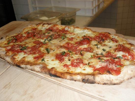 San Pietro in Cariano, Italia: pizza a metro