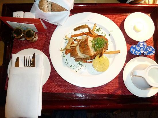 Swissotel Sydney: Room Service