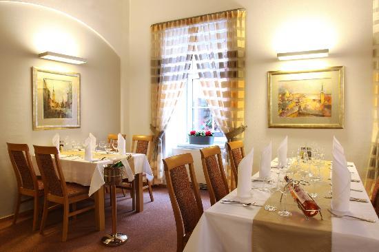 Hotel Trinity: Restaurant