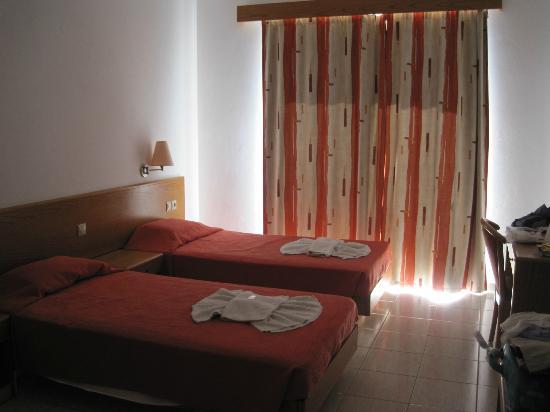 Hotel Ziakis: The room
