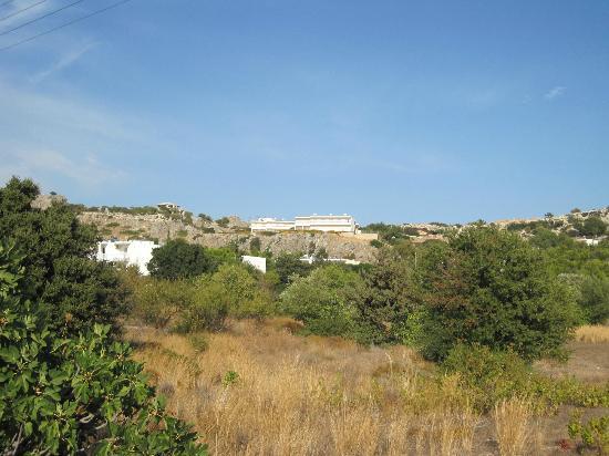 Hotel Ziakis: Located near top of the ridge