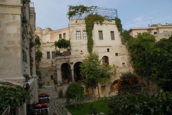 Selcuklu Evi: Vue à l'entrée de l'hôtel