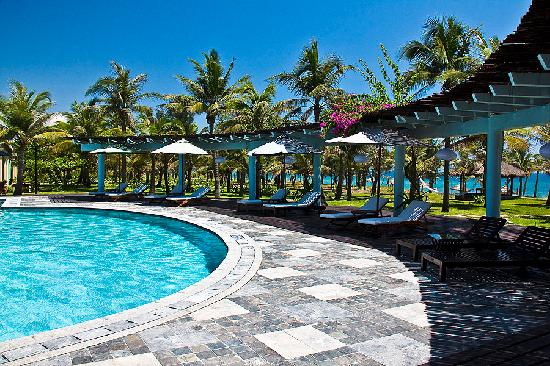 le belhamy resort & spa: Beachfornt Pool