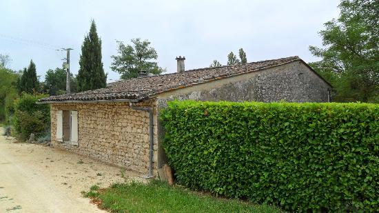 Domaine les Jourdis : rear of gite