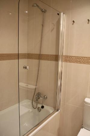 Hotel La Arena: Baño