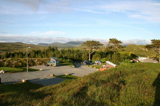 Clifden Camping and Caravan Park: hardstands