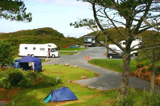 Clifden Camping and Caravan Park: hardstands