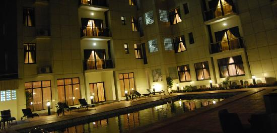 Pearl Court Residence & Hotels: Pearl Court Hotel Night View
