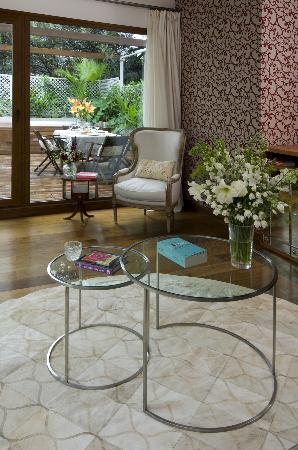 HUB PORTENO: Grand Suite Living room