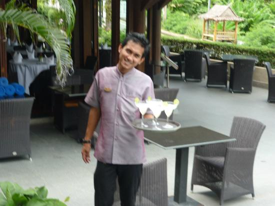 Baan Yin Dee Boutique Resort: happy hour yum o