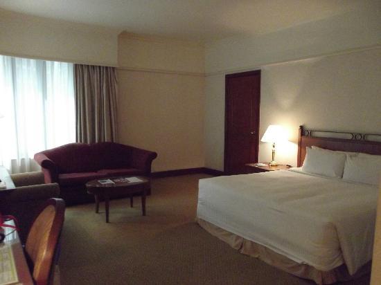 Dorsett Kuala Lumpur: large room