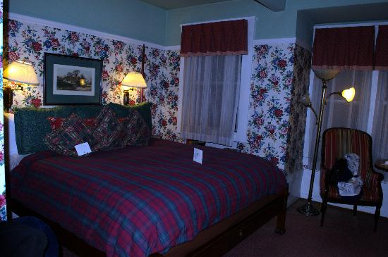 White Swan Inn: King-size bed