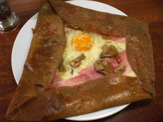 Crepería bretona Le p'ty mon: Mi galette preferida: con jamón, champiñones y huevo
