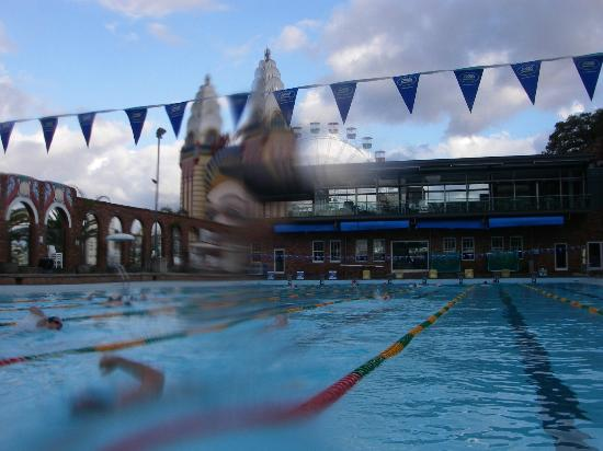 Olympic Pool North Sydney: where else can you swim and see Luna Park